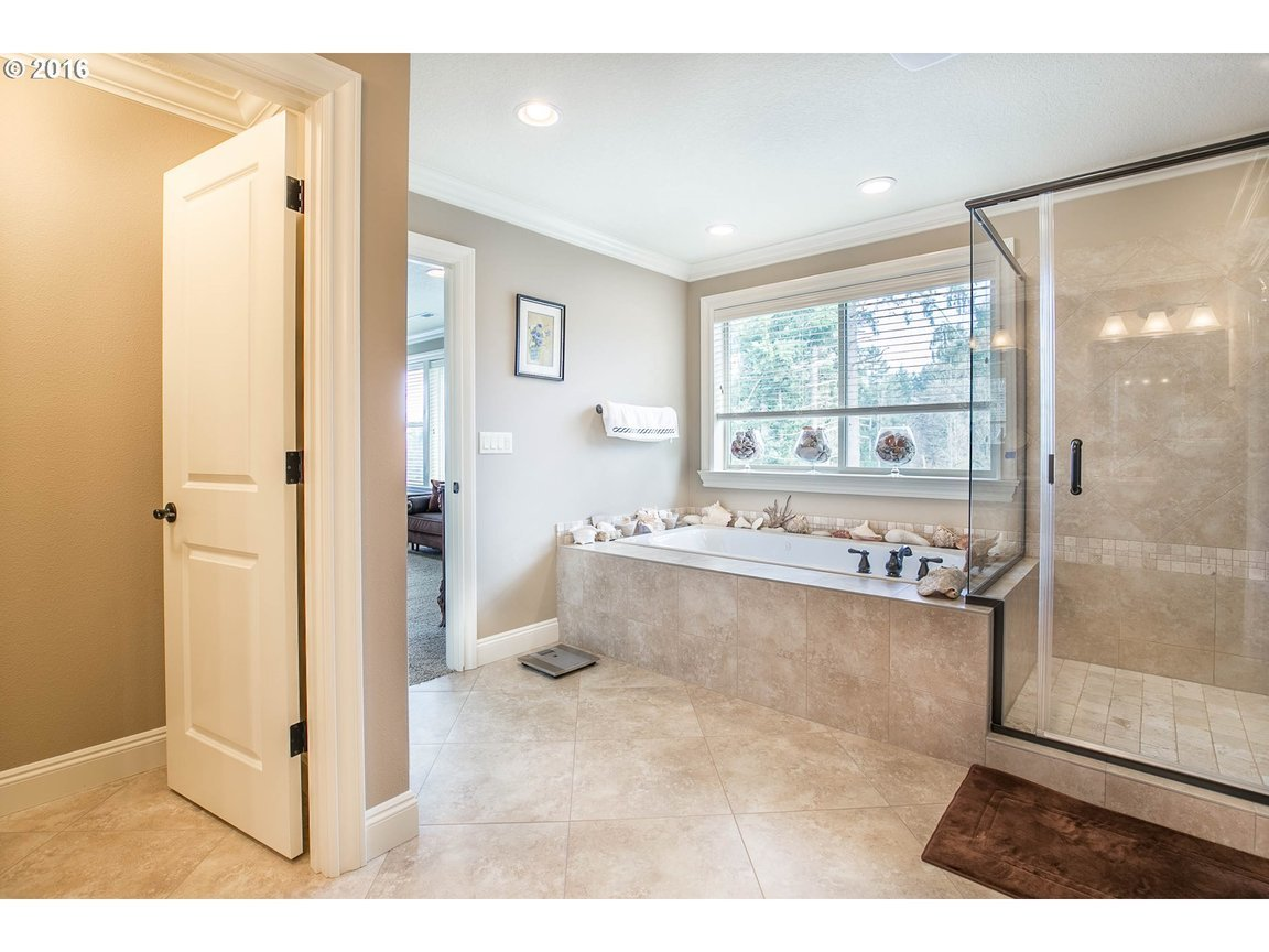 15150 Se Bunker Hill Ct, Happy Valley, OR, 97086: Photo 12