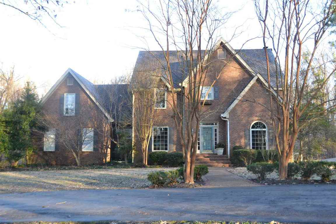 825 country club jackson tn 38305 for sale