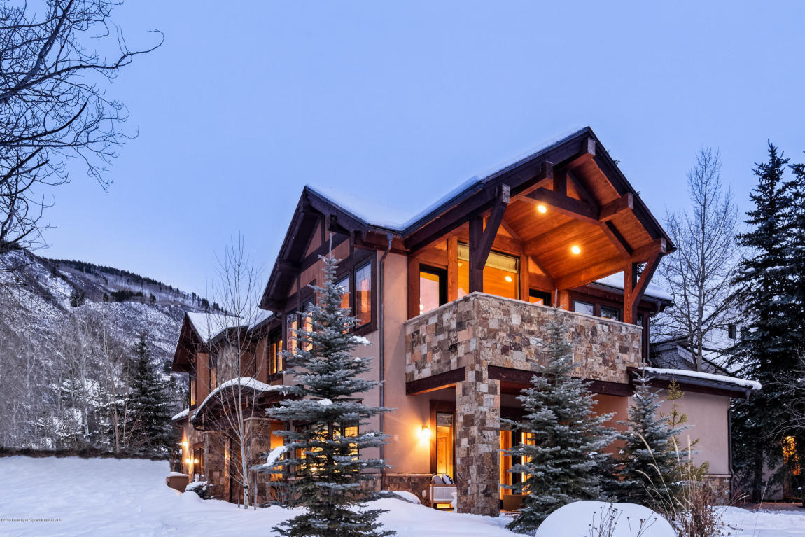 537 race street aspen co for rent 0 for Luxury winter cabins