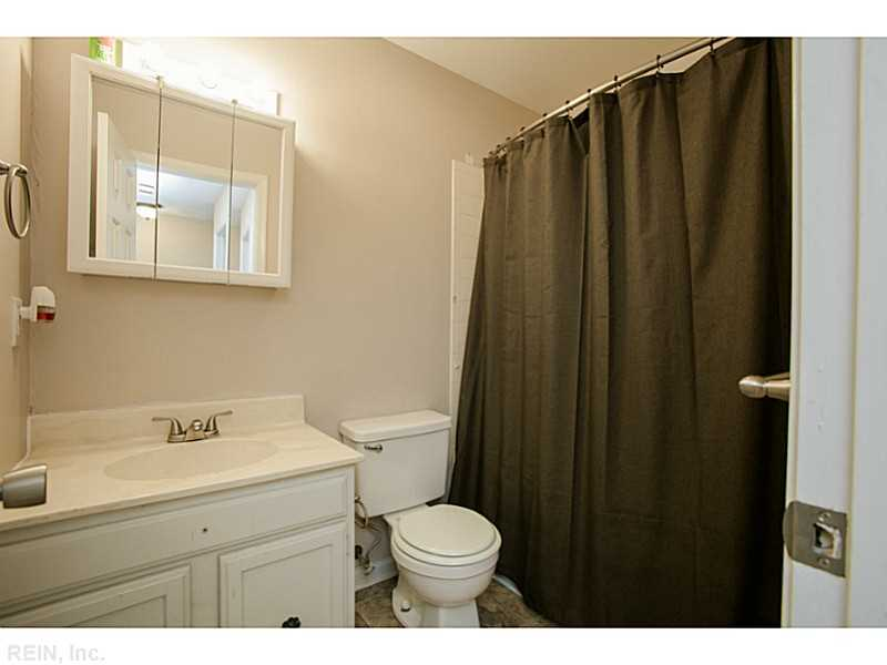 114 Tyburn Ct, Hampton, VA, 23669: Photo 21