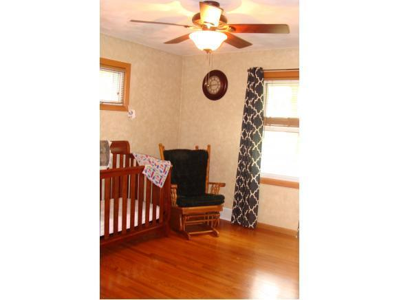 1615 N Gillett, Appleton, WI, 54914: Photo 8