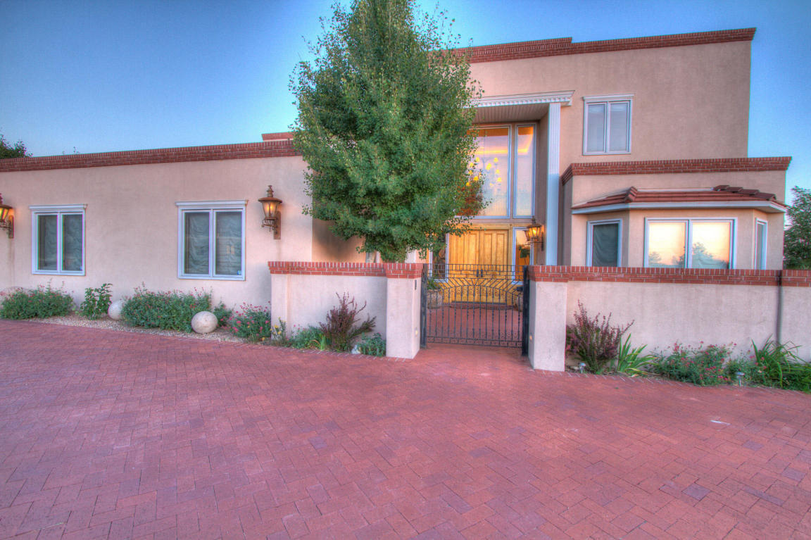 13716 Canada Del Oso Place Ne, Albuquerque, NM, 87111: Photo 2