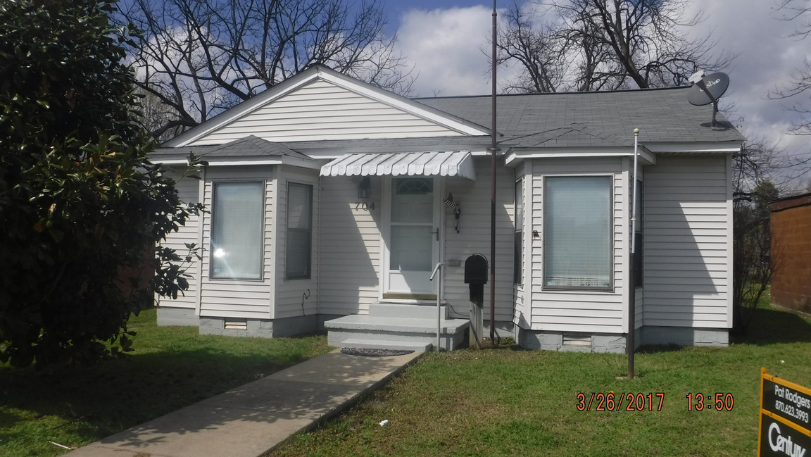 704 west moultrie blytheville ar for sale 76 900