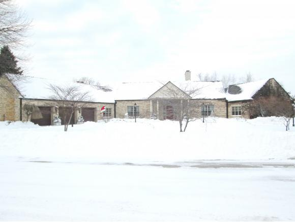 3177 Bay View Dr, Green Bay, WI, 54311: Photo 1