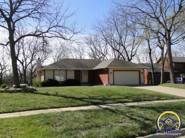 3841 wood valley dr sw topeka ks 66610 for sale for Home builders topeka ks