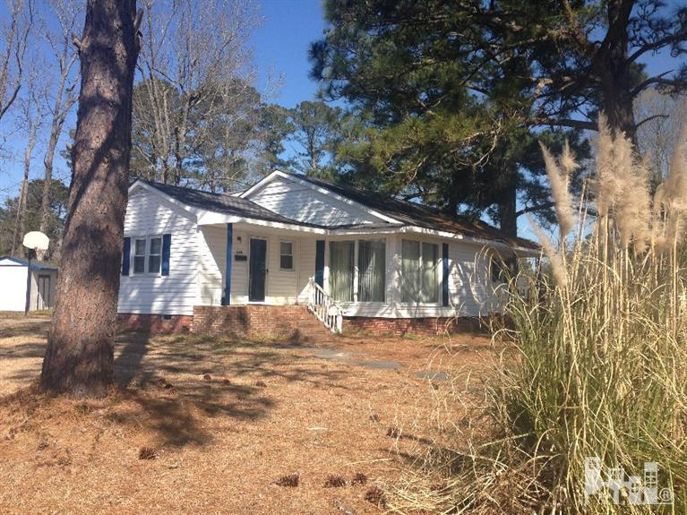 620 South Raleigh St, Wallace, NC, 28466 -- Homes For Sale