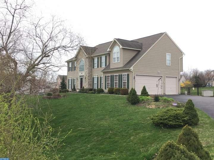 907 maplewood dr douglassville pa 19518 for sale for Maplewood custom homes