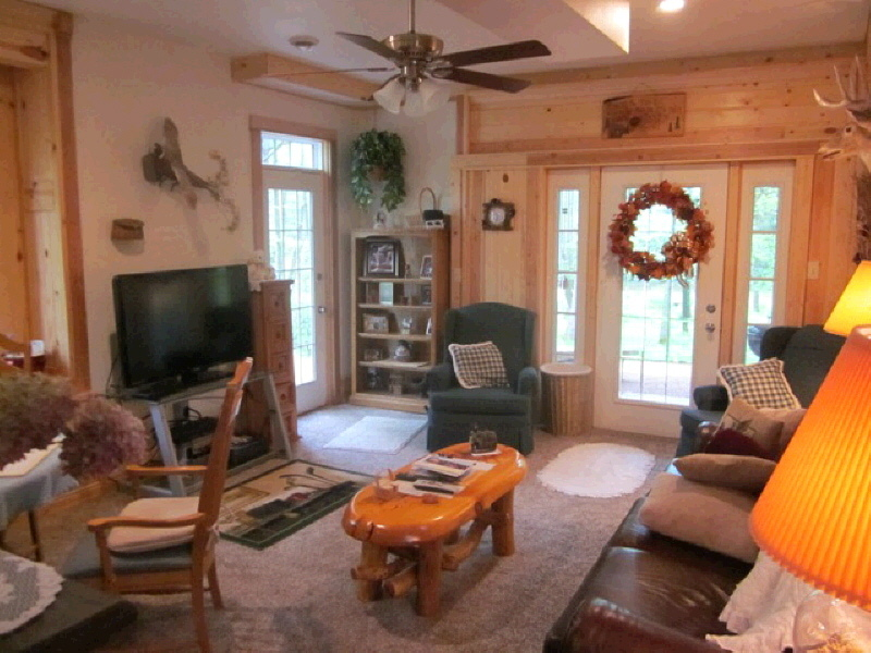 590 Pinery Rd, Hatley, WI, 54440: Photo 3