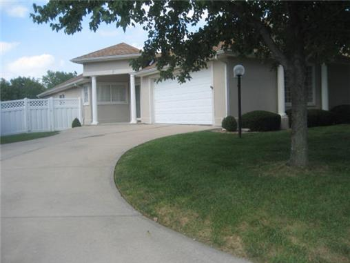 813 Nw North Ridge Court, Blue Springs, MO, 64015 -- Homes For Sale