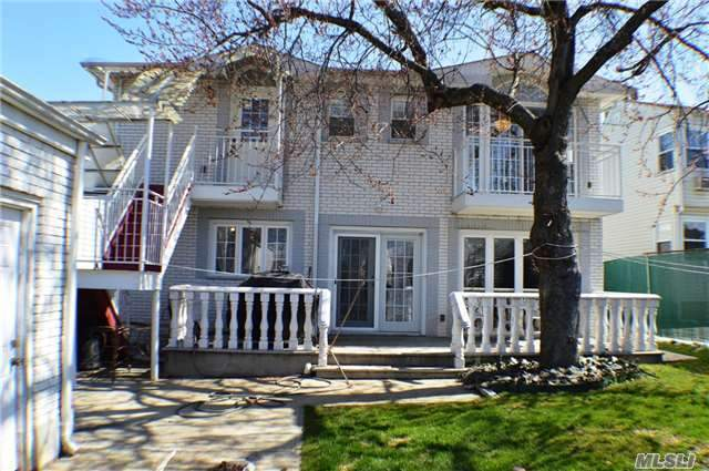 64 52 228th St Oakland Gardens Ny 11364 For Sale