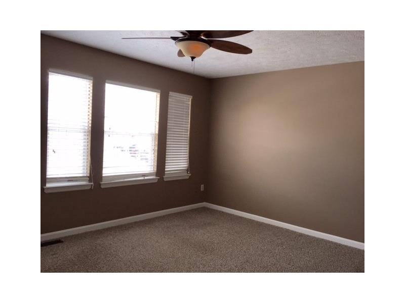 1320 Meadowbrook Drive, Canonsburg, PA, 15317: Photo 2