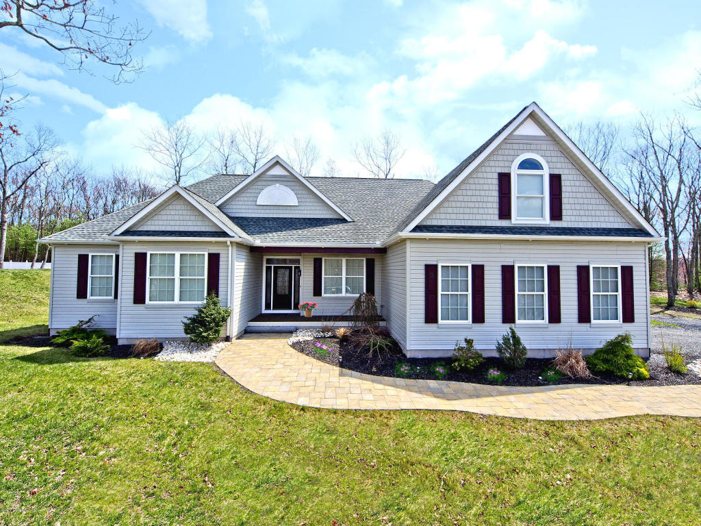1058 delaware ln stroudsburg pa 18360 for sale