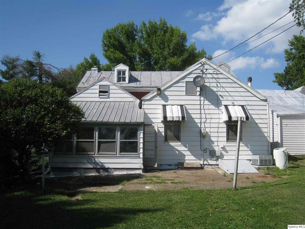 1010 adams quincy il 62301 for sale