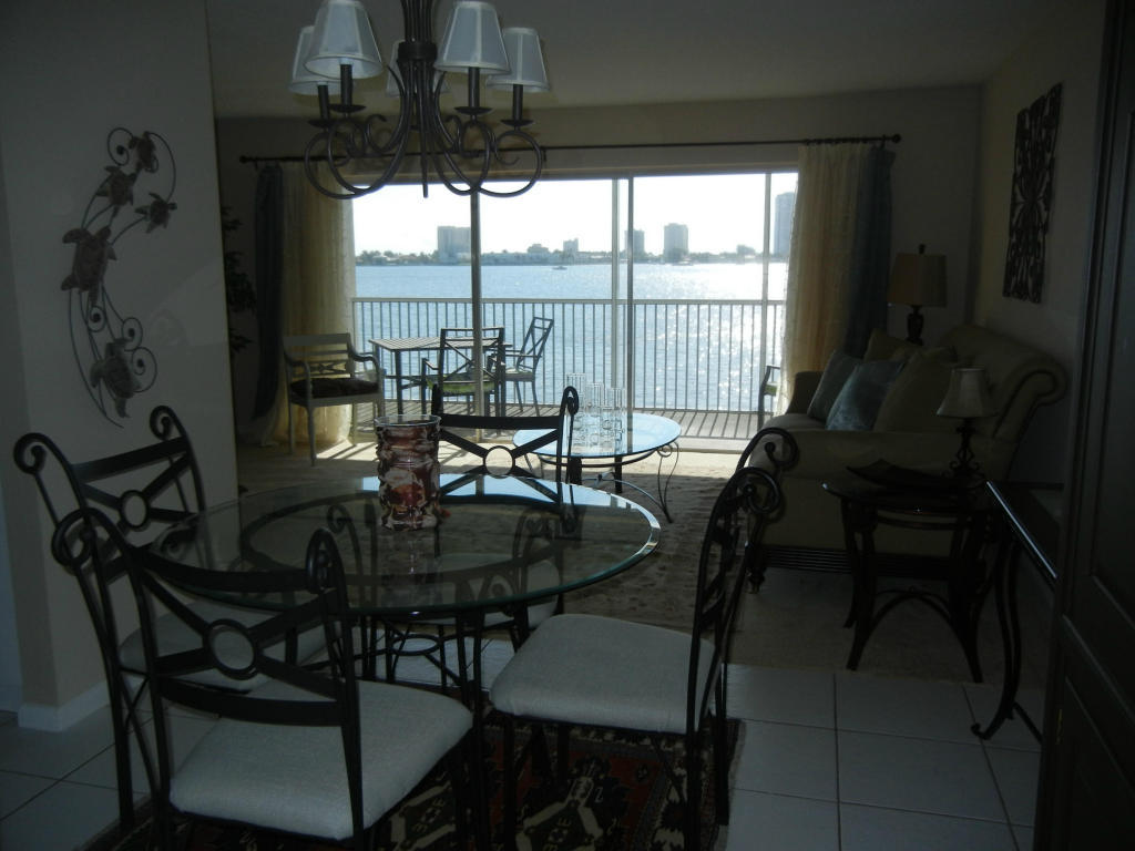 2936 Lake Shore Drive 202, West Palm Beach, FL, 33404 -- Homes For Rent