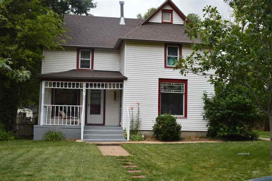 219 S Prospect St Clearwater Ks For Sale 109 900