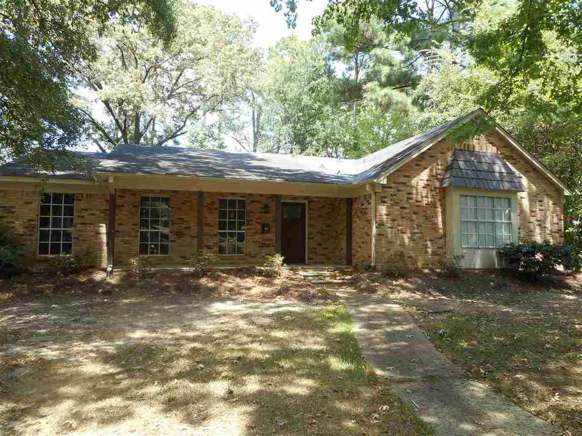 6025 Lake Trace Cir, Jackson, MS, 39211: Photo 1