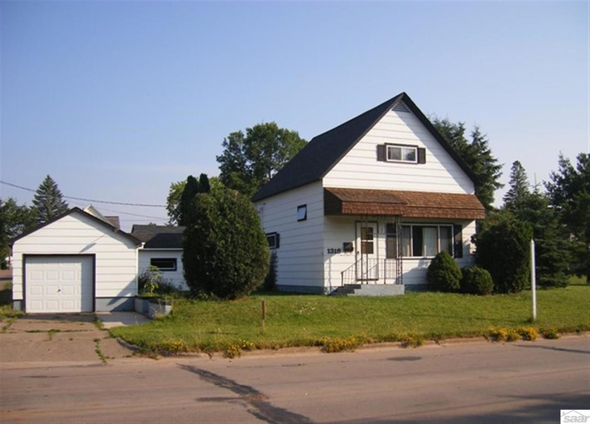 1318 w 6th st ashland wi for sale 75 000 for Home builders wisconsin