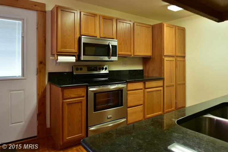 2006 Middleborough Road, Essex, MD, 21221: Photo 10