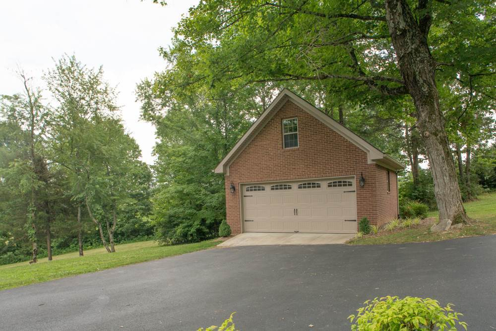 315 mcfarland lane bowling green ky 42101 for sale for Home builders bowling green ky