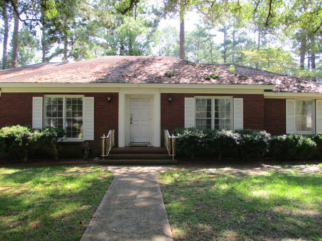 1727 pineknoll ln albany ga for sale 50 000 for Home builders albany ga