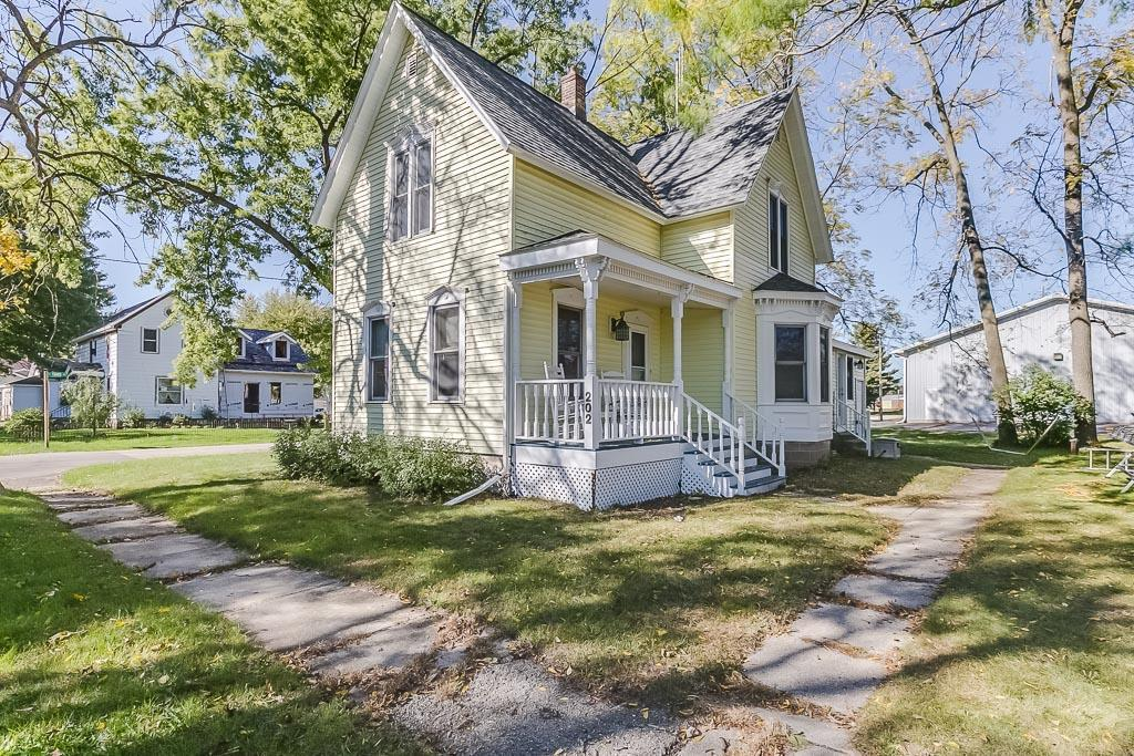 202 e park st silver lake wi for sale 179 900 for Wi home builders