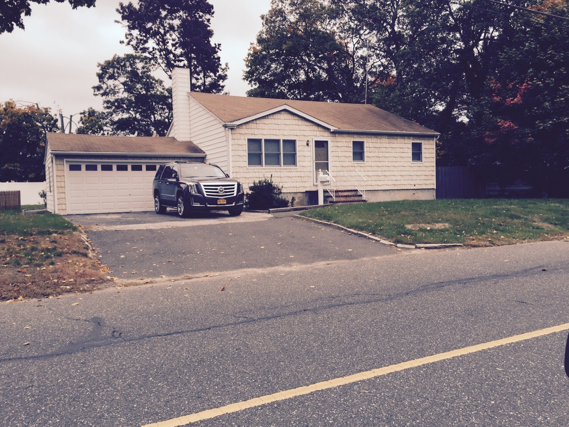 157 W 16th St Deer Park NY 11729 For Sale