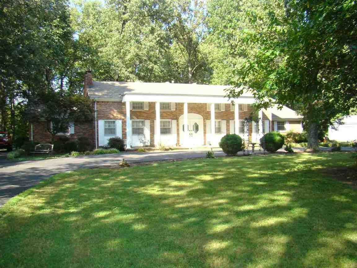 2250 sunset drive paducah ky for sale 159 900 for Home builders in kentucky