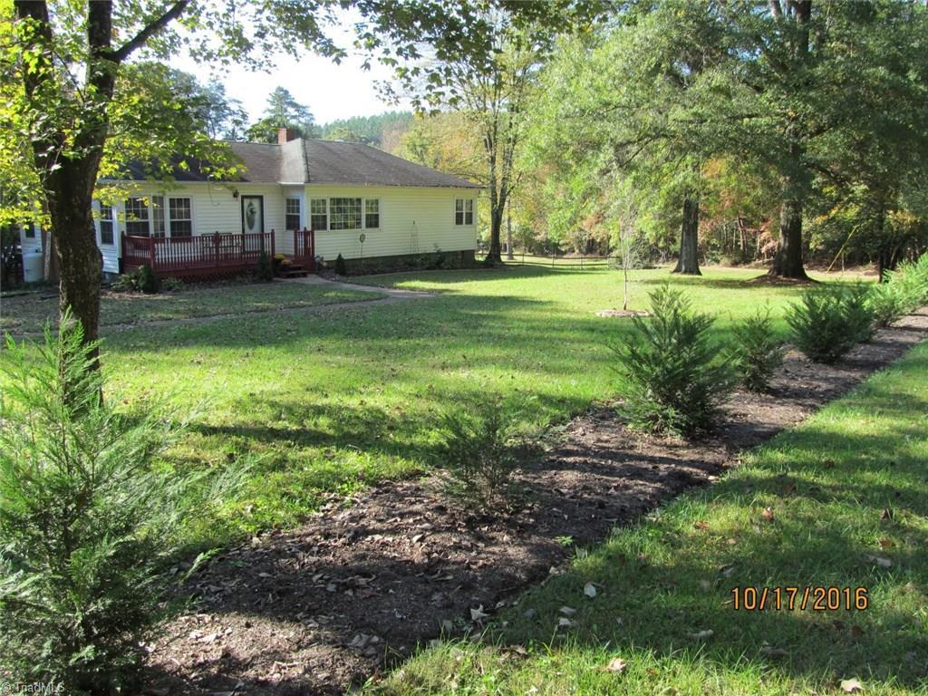 212 Mathis Road Pilot Mountain Nc For Sale 129 000