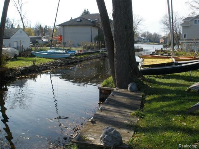 2190 Willow Beach St., Keego Harbor, MI, 48320 -- Homes For Sale