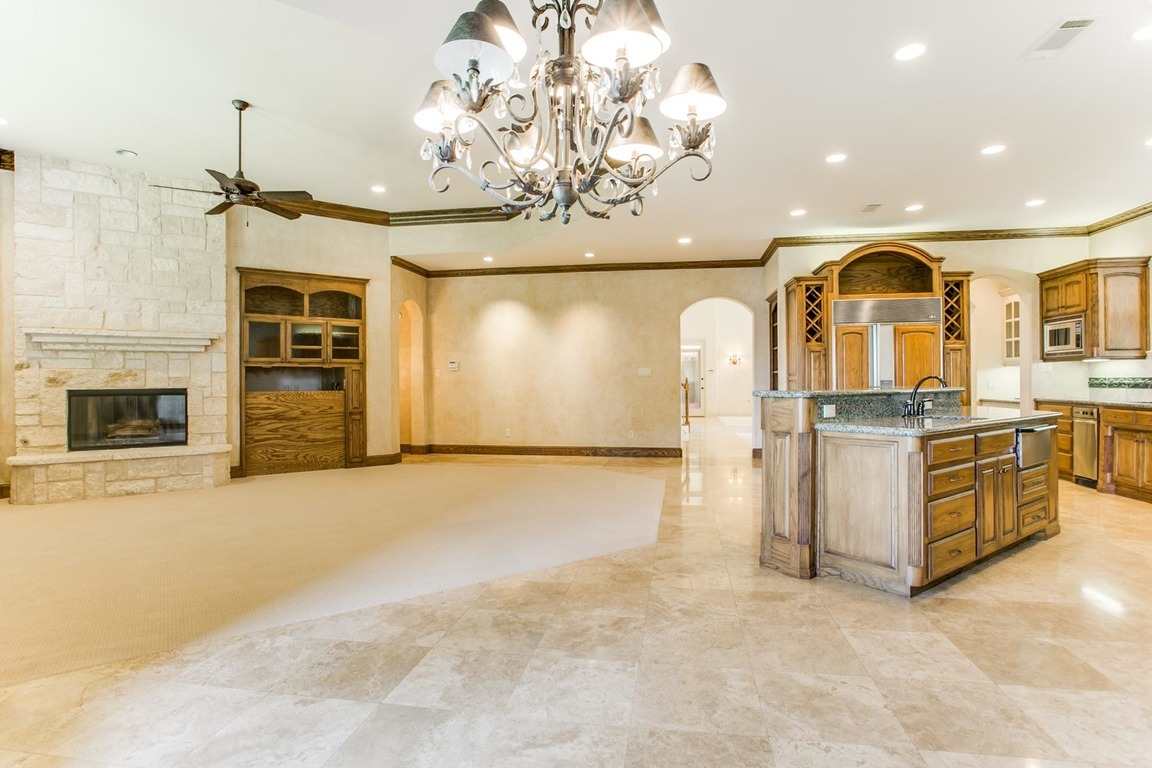 6729 Harbour Town Lane, Fort Worth, TX, 76132: Photo 8