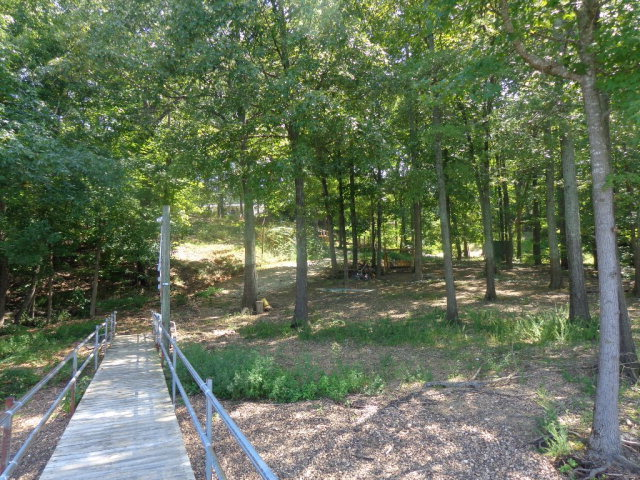 355 Bluff Rd Waterfront Big Sandy TN For Sale $159 900