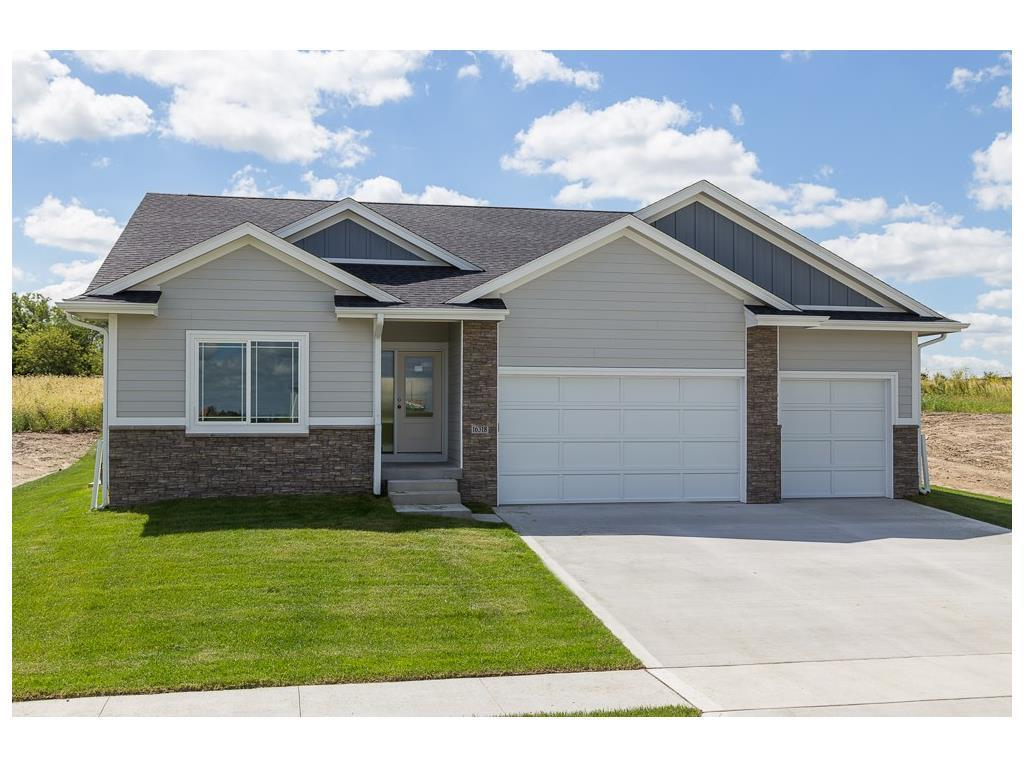 16318 Springbrook Trail Urbandale Ia For Sale 375 000