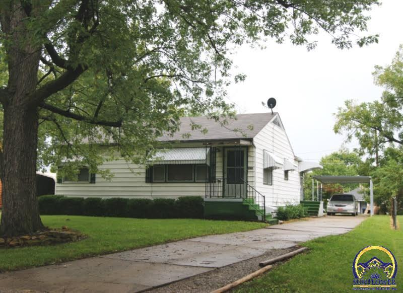 2323 Pennsylvania Ave Se Topeka Ks For Sale 49 900