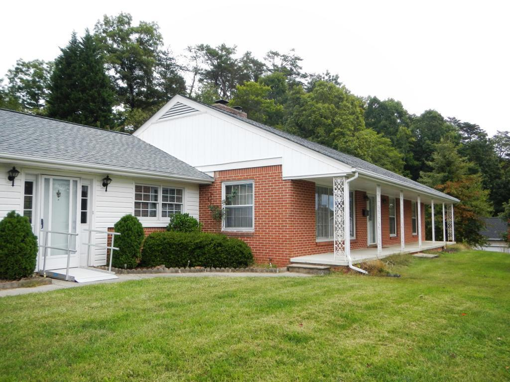 4731 norwood st roanoke va for sale 175 000 for Home builders roanoke va