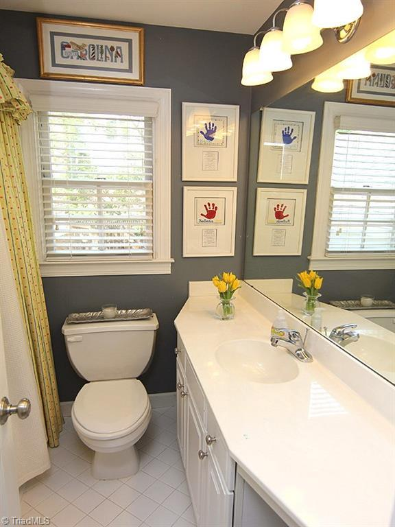 104 Parkside Circle, Chapel Hill, NC, 27516: Photo 21