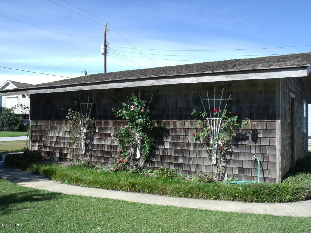 218 Bayview Blvd, Atlantic Beach, NC, 28512 -- Homes For Sale