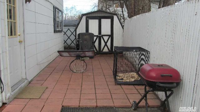 690 N Wellwood Ave, Lindenhurst, NY, 11757 -- Homes For Sale