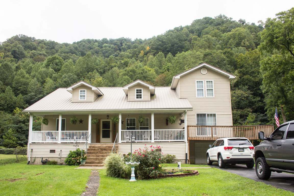 10320 Hwy 7 South Kite Ky For Sale 153 000