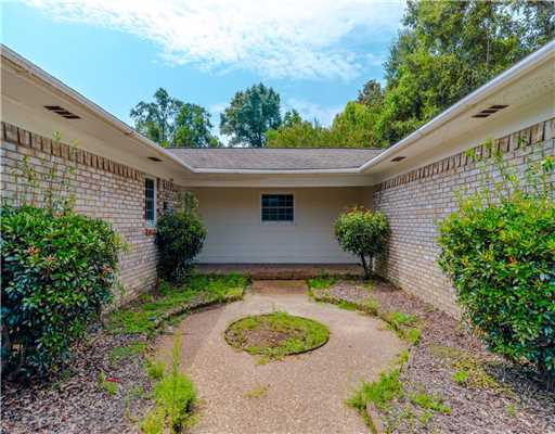 111 Dogwood Dr, Gulfport, MS, 39507 -- Homes For Sale