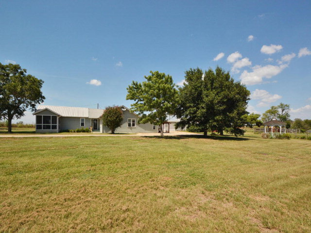 287 Sunflower Trl, Luling, TX, 78648 -- Homes For Sale