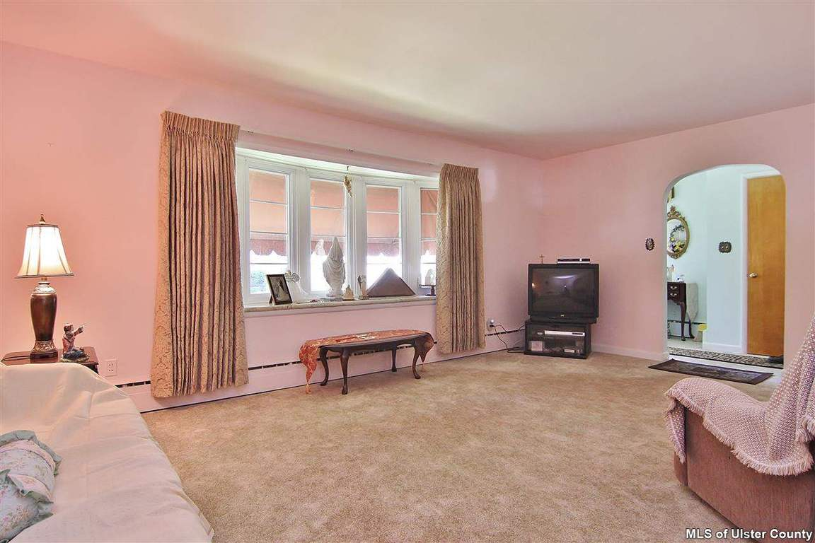 122 W Chester Street, Kingston, NY, 12401 -- Homes For Sale