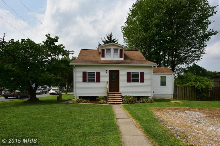2006 Middleborough Road, Essex, MD, 21221: Photo 2