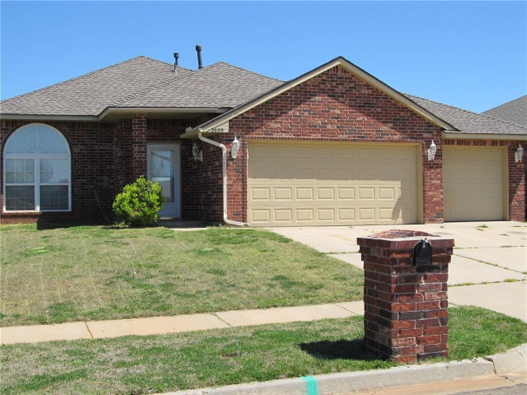 2609 deer chase norman ok for sale 179 900 for Norman ok home builders