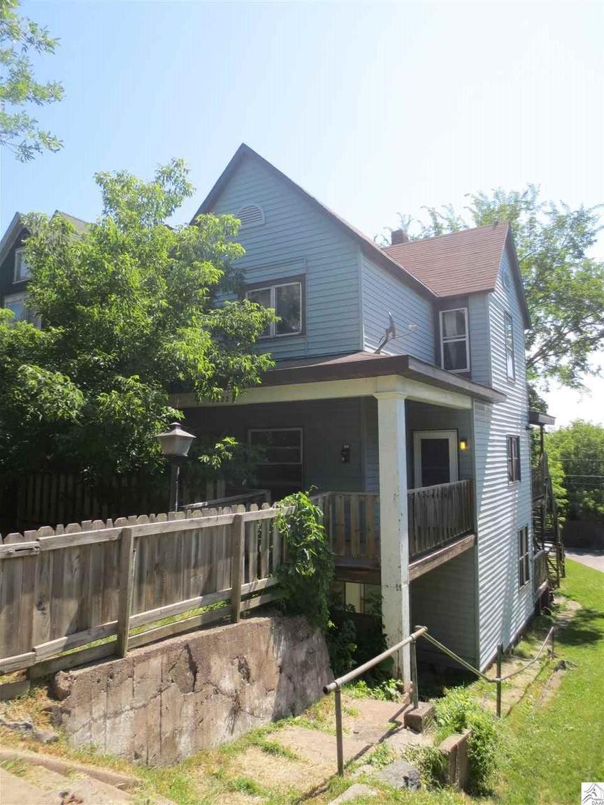 2222 w 4th st duluth mn for sale 119 900