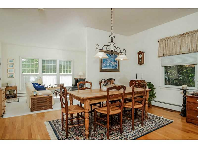 150 Wickford Point Rd, North Kingstown, RI, 02852: Photo 9