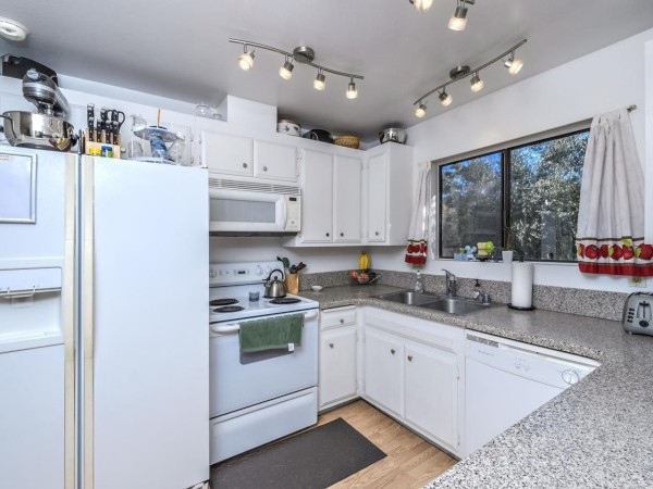 317 Stage Coach, Oceanside, CA, 92057 -- Homes For Sale
