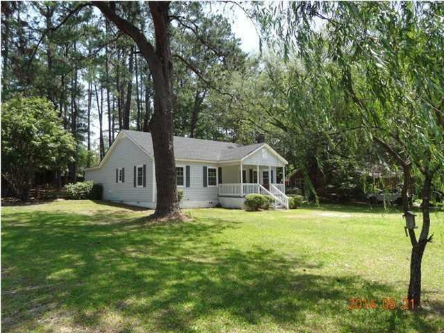 230 Lakeside Dr, Walterboro, SC, 29488 -- Homes For Sale