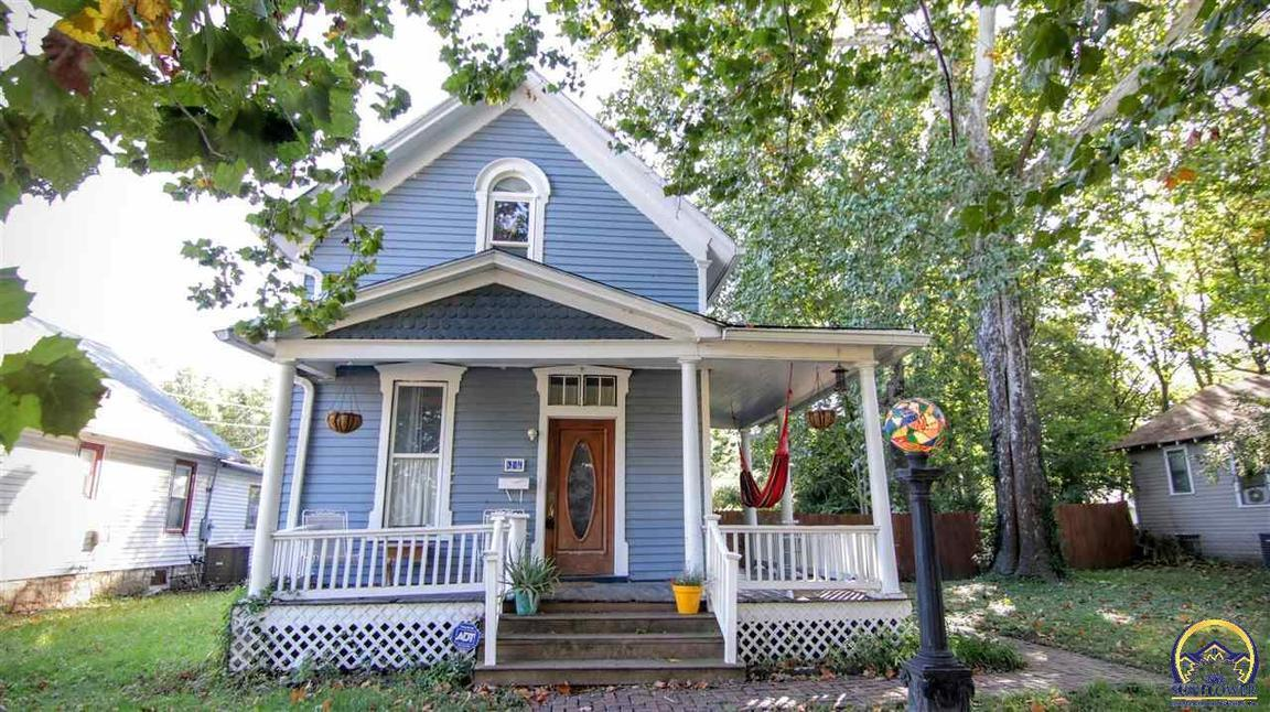 304 orchard st sw topeka ks for sale 59 900 for Topeka home builders