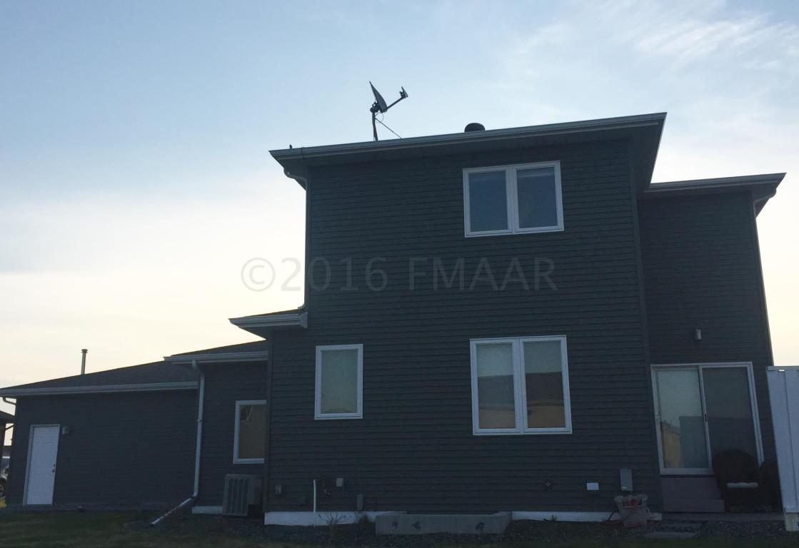 5005 woodhaven st fargo nd 58104 for sale