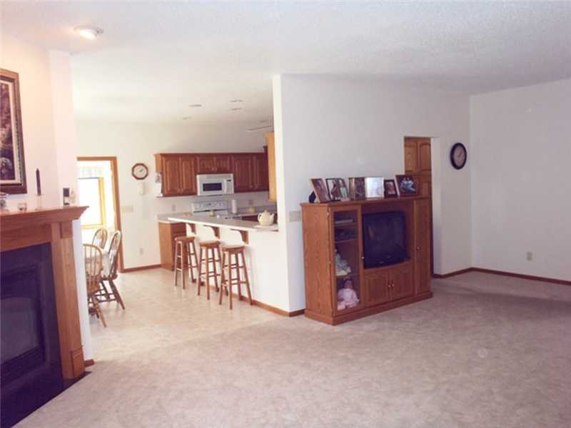 404 Sunset Dr, Fairfax, IA, 52228 -- Homes For Sale